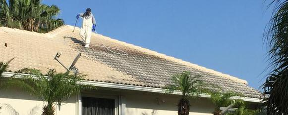 Low pressure roof cleaning jupiter florida